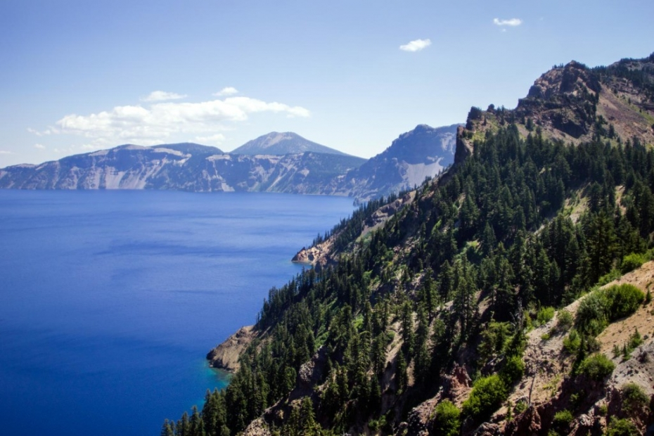 Crater Lake is unreal.